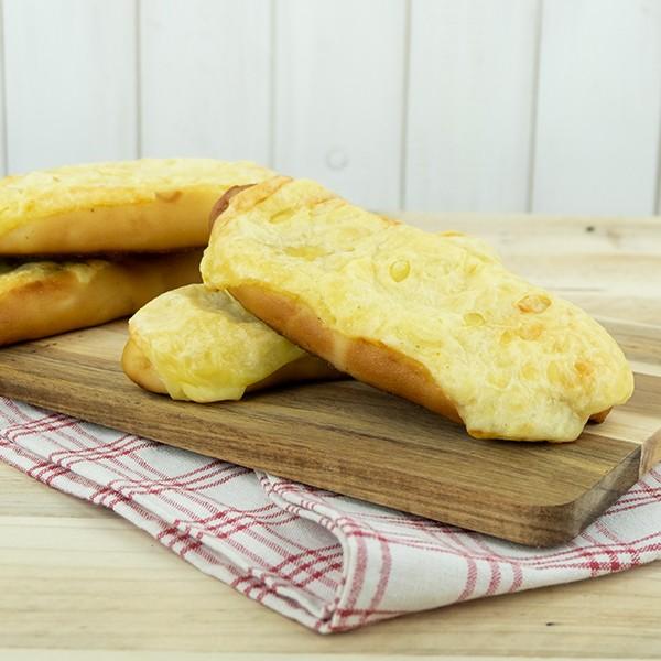 Käse-Laugenstangen, 2 Stück